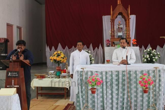 Fr  Franklin D'Souza - Renewal retreat at St  Ignatius Loyola Church